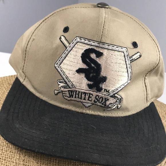 d3098b9f9b7 Vintage Chicago White Sox Starter SnapBack hat 梨. M 5ac63faa8af1c5f54f0f1bc5